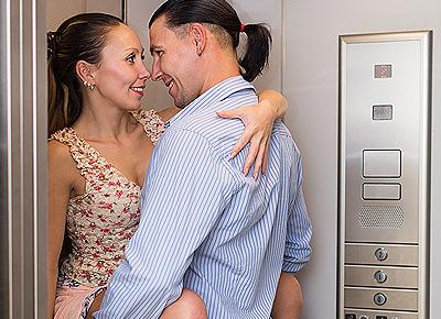 Sex im Aufzug